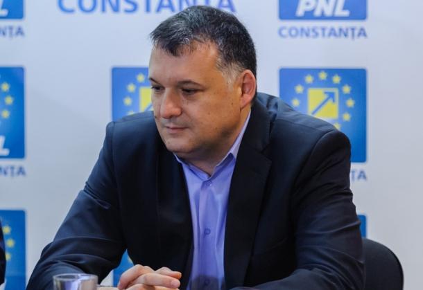 Lider PNL: Înfiinţarea Fondului Suveran de Investiţii reprezintă cea mai mare hoţie de după 1989, o puşculiţă pusă