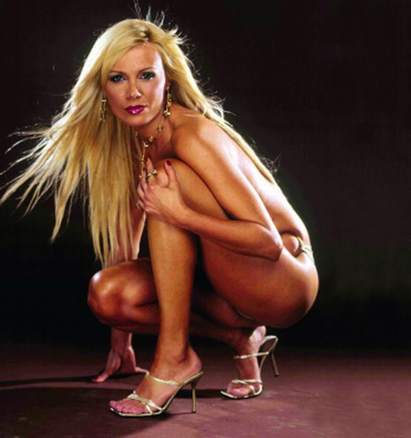Dana Savuica sedinta foto revista Playboy